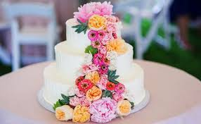 flower cakes feast your on these 15 fresh flower wedding cakes