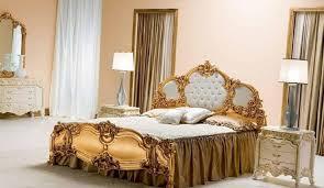 chambre style baroque design interieur chambre style baroque beige lit bois doré feuille