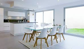 cuisine et salle à manger table bar salle a manger espace de vie multifonction cuisine ouverte