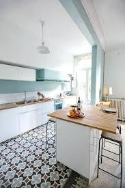 cuisine blanche mur gris deco cuisine blanche et ration cuisine best ideas about cuisine on