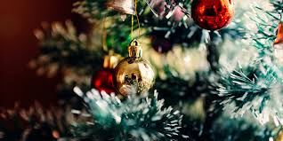 Christmas Tree Shopping Tips - gift your business shopping tips for black friday