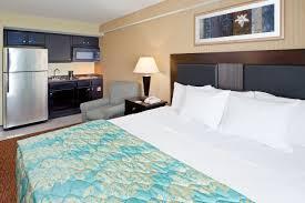 Hotels Near Six Flags Great Adventure La Quinta Inn West Long Branch Hotel Nj New Jersey Hotels