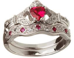 ring engzkw amazing claddagh ring set horrifying claddagh ring