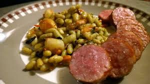 comment cuisiner la saucisse de morteau saucisse de morteau aux flageolets et petits légumes aux poêles etc