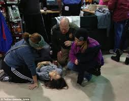 target manager on black friday black friday 2012 nothing puts off shoppers as us goes crazy for