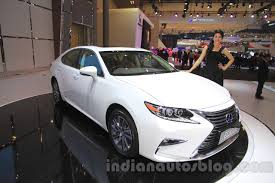 lexus hybrid sedan 2015 2016 lexus es300h front quarter at the 2015 gaikindo indonesia