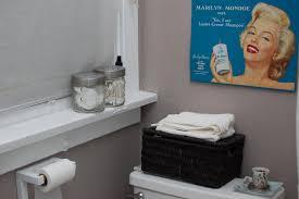 Marilyn Monroe Bathroom by Apartment 8 Bathroom Makeover