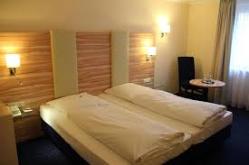 hotel hauser an der universitaet mníchov recenzie a porovnanie best price on hotel daniel in munich reviews