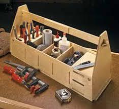 werkzeugkiste und tritthocker in einem werkzeug kiste
