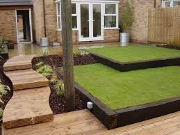 Small Sloped Garden Design Ideas Small Sloping Garden Design Ideas74 Jpg 736 552 Courtyard