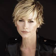 how to grow out layered women s hair into bob 588 best pixie hairstyles layered images on pinterest pixie cuts