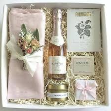 wedding gift box ideas wedding favors for bridesmaids bridesmaids gift basket a cheap