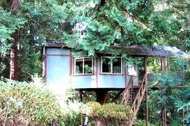 rustic tree house camping in washington glamping in washington