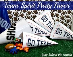 football favors team spirit party favor