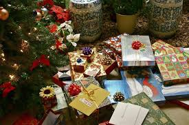 Christmas Decorations Ideas For Shops by How To Christmas Shop On A Budget 11 Tips For Holiday Shopping
