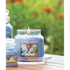 bougie jardin yankee candle 1152870 bougie parfumée pois de senteur de jardin en
