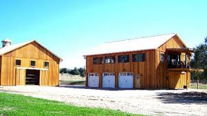 Living In A Barn Barns And Buildings Quality Barns And Buildings Horse Barns