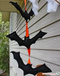 hanging halloween bats made by marzipan