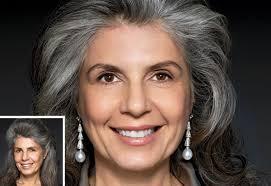 hoghtlighting hair with gray best hairstyles for ladies after 40