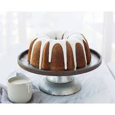 amazon com nordic ware platinum collection anniversary bundt pan