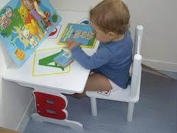 petit bureau bebe petit bureau bebe bureau 2 ans bureau 2 ans table pite chaise la pit