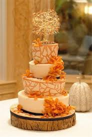 fall wedding cake toppers fall wedding cake with lovely tree as cake topper bridebug