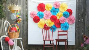 diy photo backdrop 25 diy photo booth ideas for your next shindig diy projects