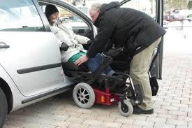 chaise roulante lectrique caronygo combinaison chaise roulante chaise tournante avec une