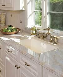 White Kitchen Cabinets With Granite Countertops by Best 25 Taj Mahal Quartzite Ideas On Pinterest Granite Kitchen