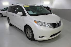 nissan sienna 2017 used one owner 2017 toyota sienna xle lawrence ks crown toyota