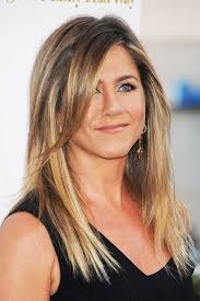 how long is jennifer degaldos hair jennifer aniston finally unveils her wedding ring
