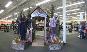 halloween spirit store the annandale blog three halloween stores pop up in mason district
