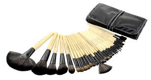 mac professional makeup brush this brush set conns 32 pieces of brushes every has its unique