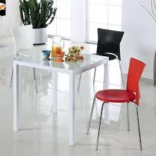 chaises cuisine couleur chaises cuisine couleur ides dco pour une cuisine grise