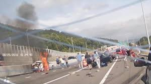 video bystanders rescue woman from burning vehicle after 10 car