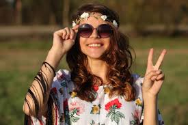 hairstyles for hippies of the 1960s 1960s hippie fashion lovetoknow