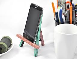 5 diy phone stand you can make easy by yourself cuethat