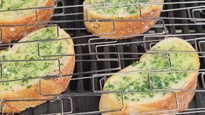 cuisiner l ail cuisiner faire la cuisine baguette slice hd stock 617