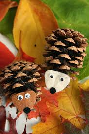 Decorating Pine Cones With Glitter 21 Best Diy Pine Cone Craft Ideas Homemade Christmas Decorations