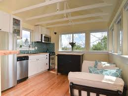 bright 1 bedroom backyard guesthouse in the vrbo