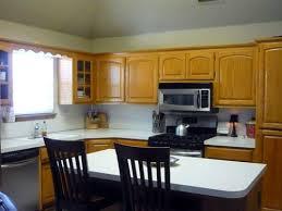 kitchen paint color ideas with oak cabinets
