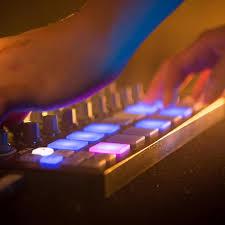 arturia beatstep sequencer black edition at gear4music