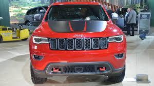 jeep grand cherokee trailhawk black 2017 jeep grand cherokee trailhawk and summit debut in nyc