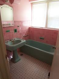 Pink Tile Bathroom Vintage Pink Tile Bathroom From 1920 U0027s Benfp2000 Flickr