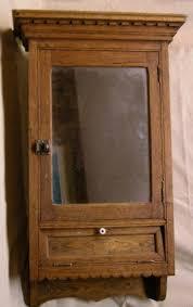 Best  Vintage Medicine Cabinets Ideas On Pinterest Farmhouse - Bathroom cabinet vintage 2