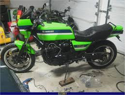 kawasaki gpz 1100 pics specs and list of seriess by year