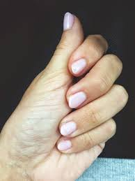 short almond shape nails very natural look for small nails