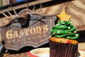 Christmas Party Treats - mini food crawl the tastiest treats at mickey u0027s very merry