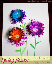 toddler approved spring flowers made with egg cartons