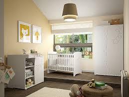 chambre etoile decoration chambre bebe etoile tour de lit et gigoteuse fait